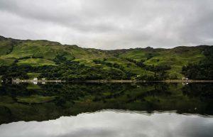 L'Isola di Skye e le sue colline specchiate sul mare
