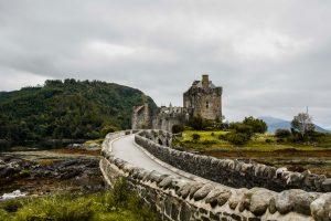 L'Eilean Donan Castle con la sua posizione da cartolina