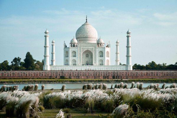 Taj Mahal di Agra in India visto dal giardino di Mehtab Bagh
