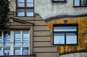 La Hundertwasserhaus a Vienna, l'armonia tra uomo, arte e natura