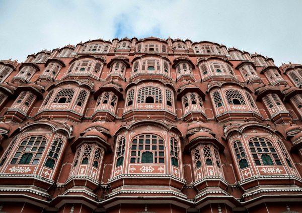 Il bellissimo Hawa Mahal noto come palazzo dei venti a Jaipur