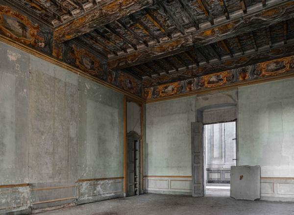 la magnifica Villa C. abbandonata in Piemonte