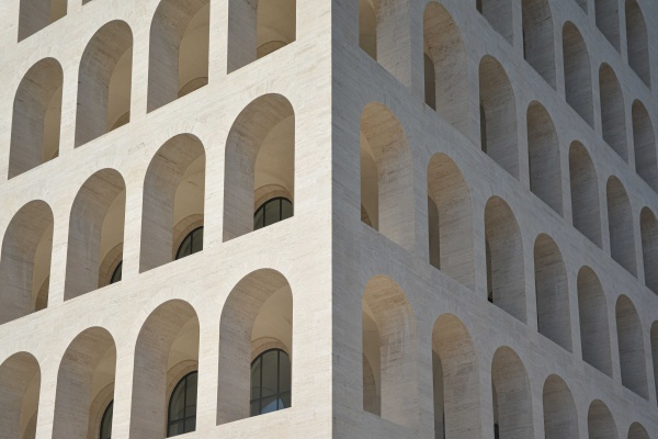 L'arte fascista diventata moda, il Colosseo Quadrato a Roma
