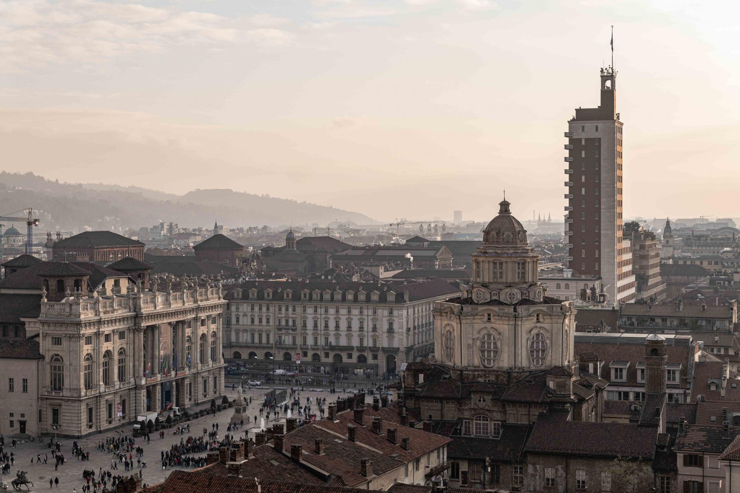 Piazza castello Torino, Lumix S1R