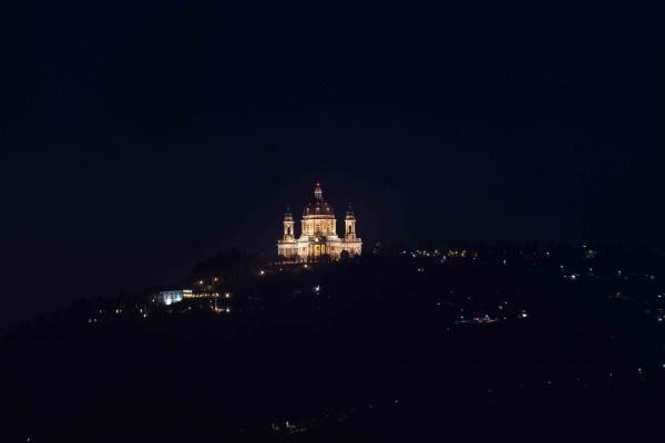 Superga di notte, Torino